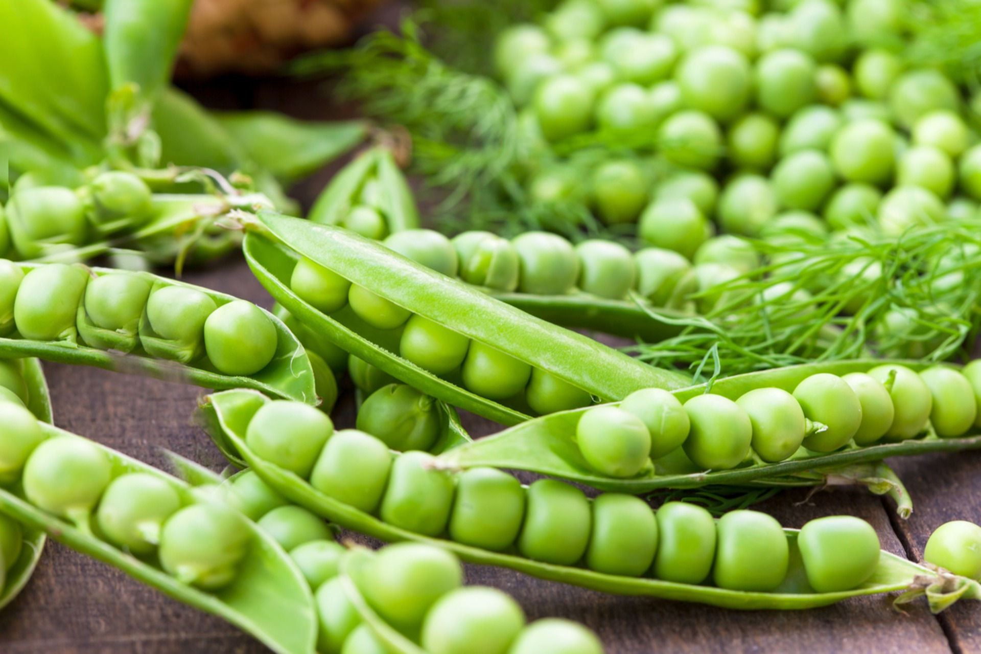 Fresh peas in pods
