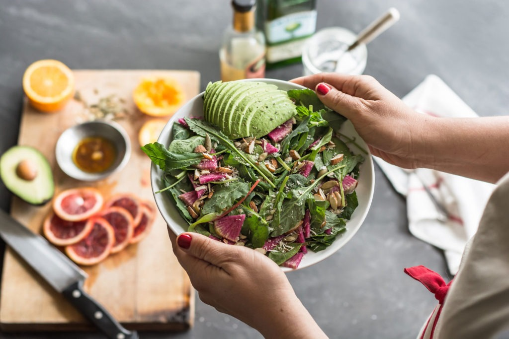 Salad with radishes and avocados